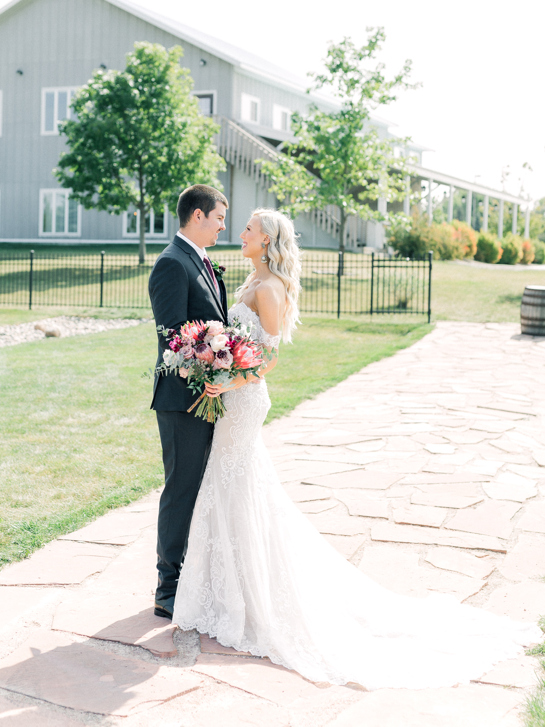 blue haven barn wedding