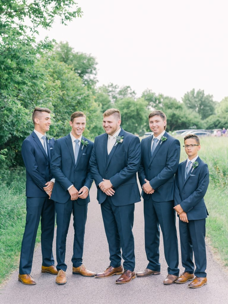 must have wedding photos on your wedding day