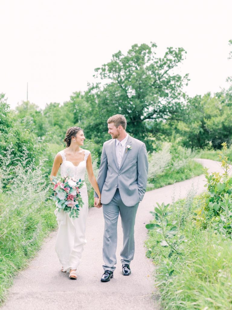 must have photos on your wedding day