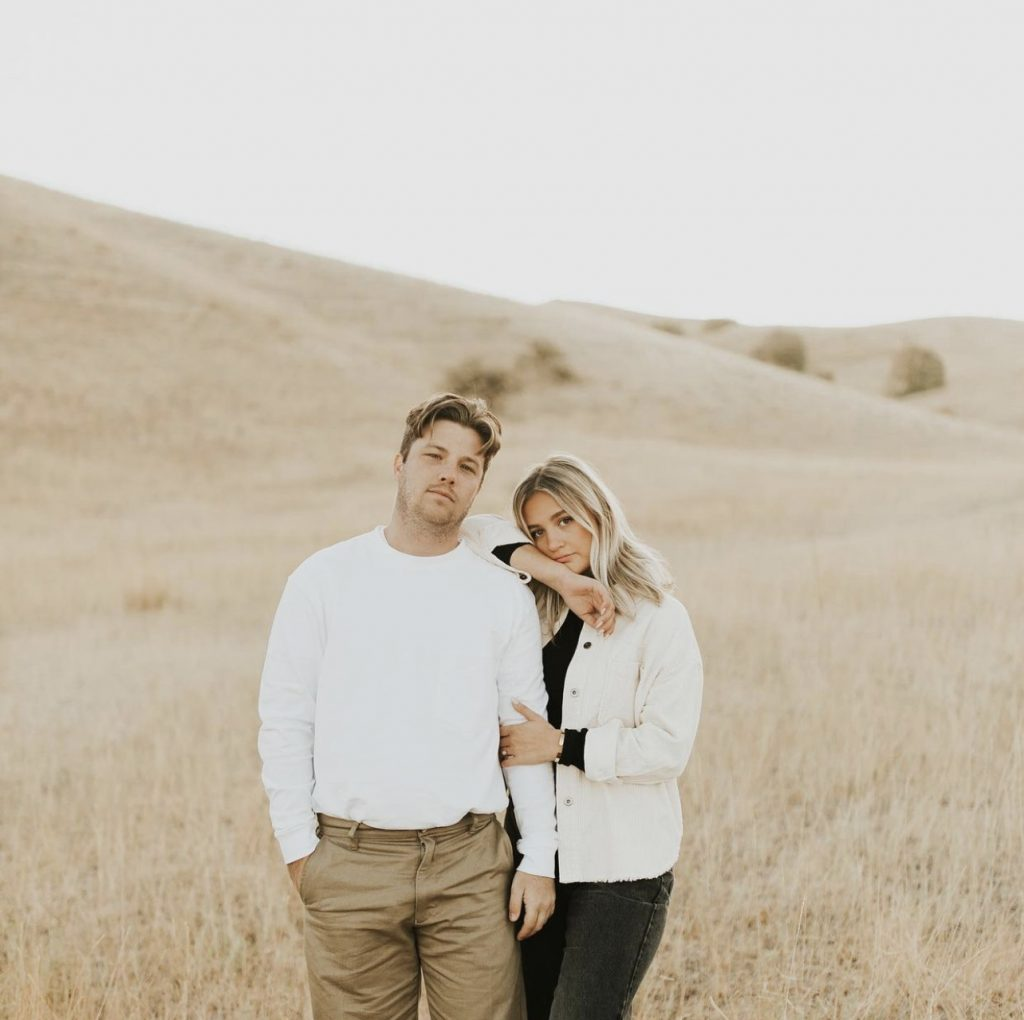 What to Wear for Fall Engagement Photos